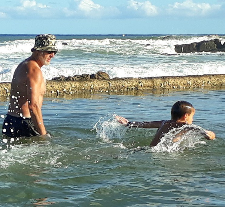 Edward coaching a student in the Anerley tidal pool